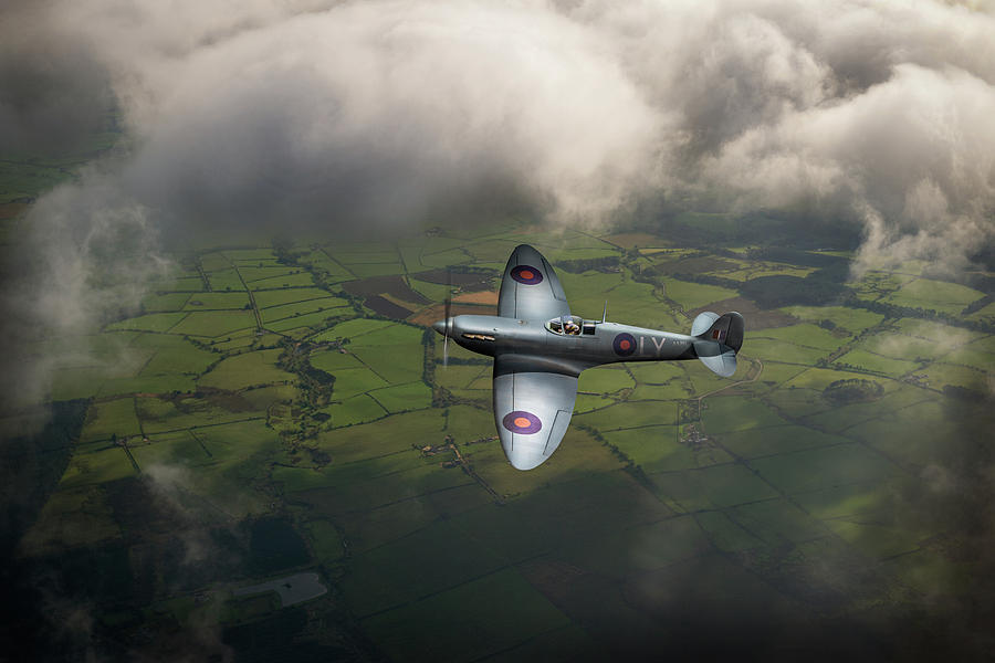 Photo reconnaissance Spitfire by Gary Eason