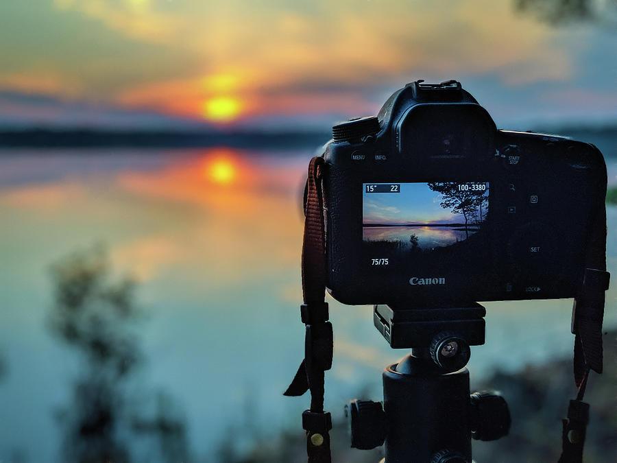 Photo Sunrise by Wade Brooks