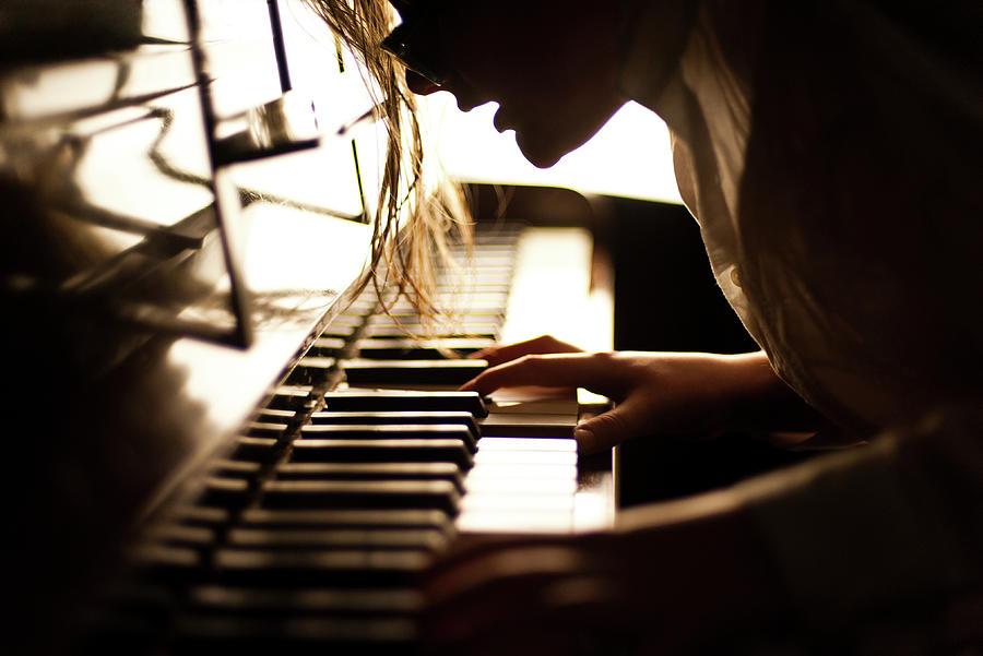 Pianist Photograph by Elizabeth Livermore