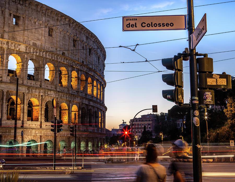 Piazza del colosseo  by John Lattanzio