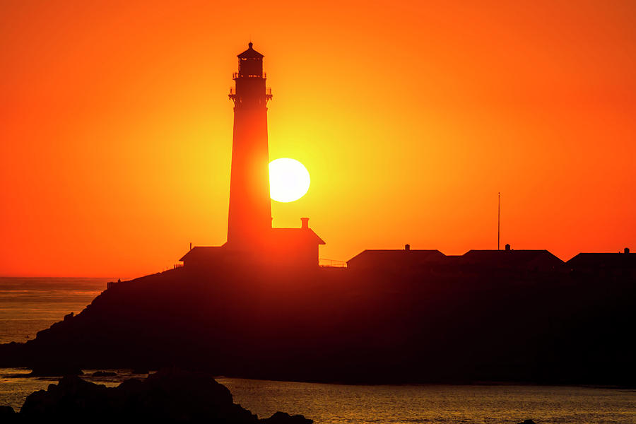 Pigeon Point Setting Sun by Garry Gay