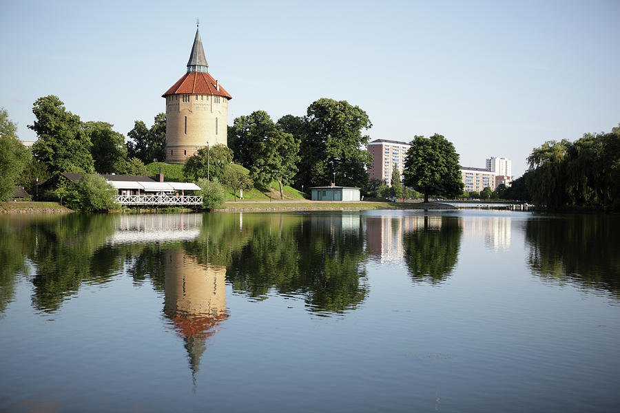 Pildammsparken In Malmo Photograph by Secablue