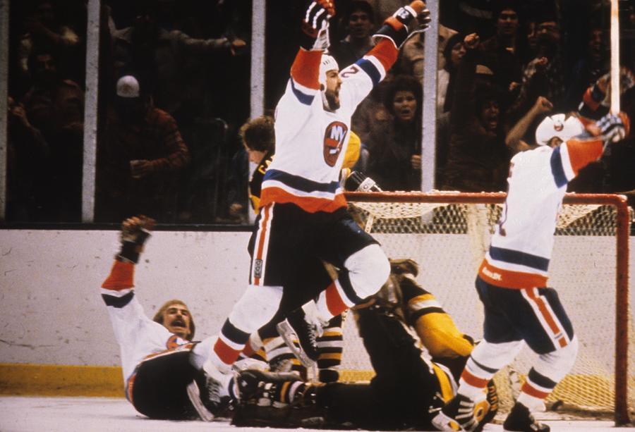 Pittsburgh Penguins V New York Islanders Photograph by B Bennett