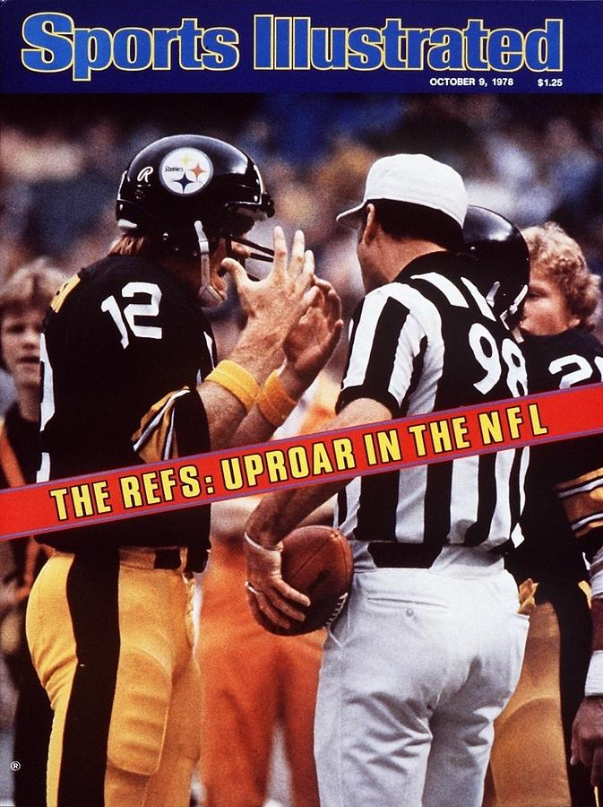 Pittsburgh Steelers Qb Terry Bradshaw... Sports Illustrated Cover Photograph by Sports Illustrated