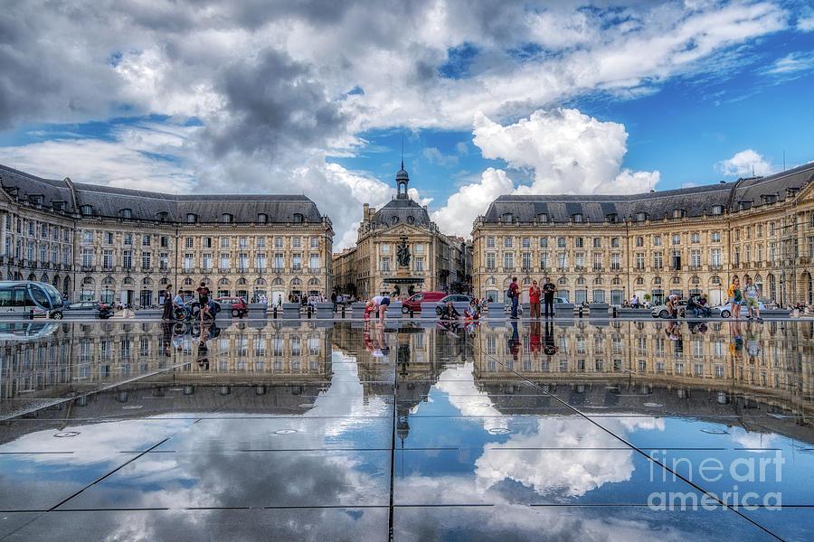 Place de la Bourse 1 by Mauro Celotti