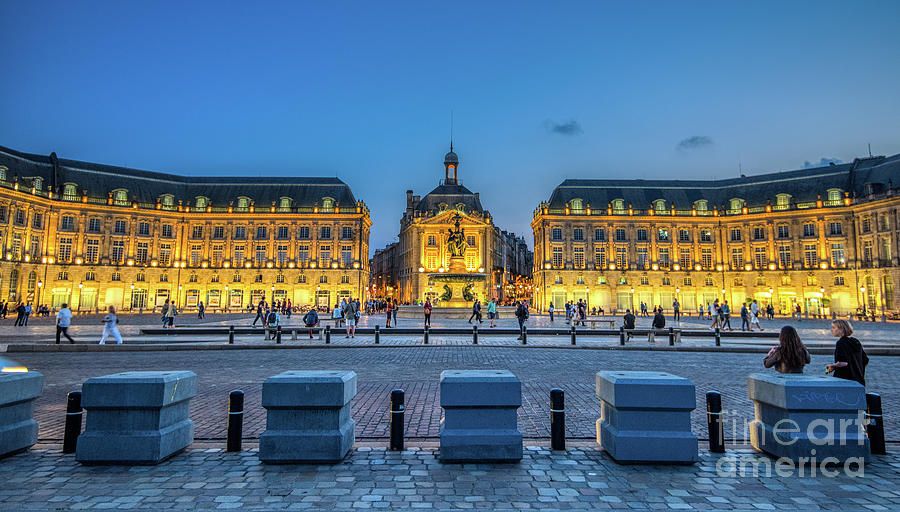 Place de la Bourse 2 by Mauro Celotti