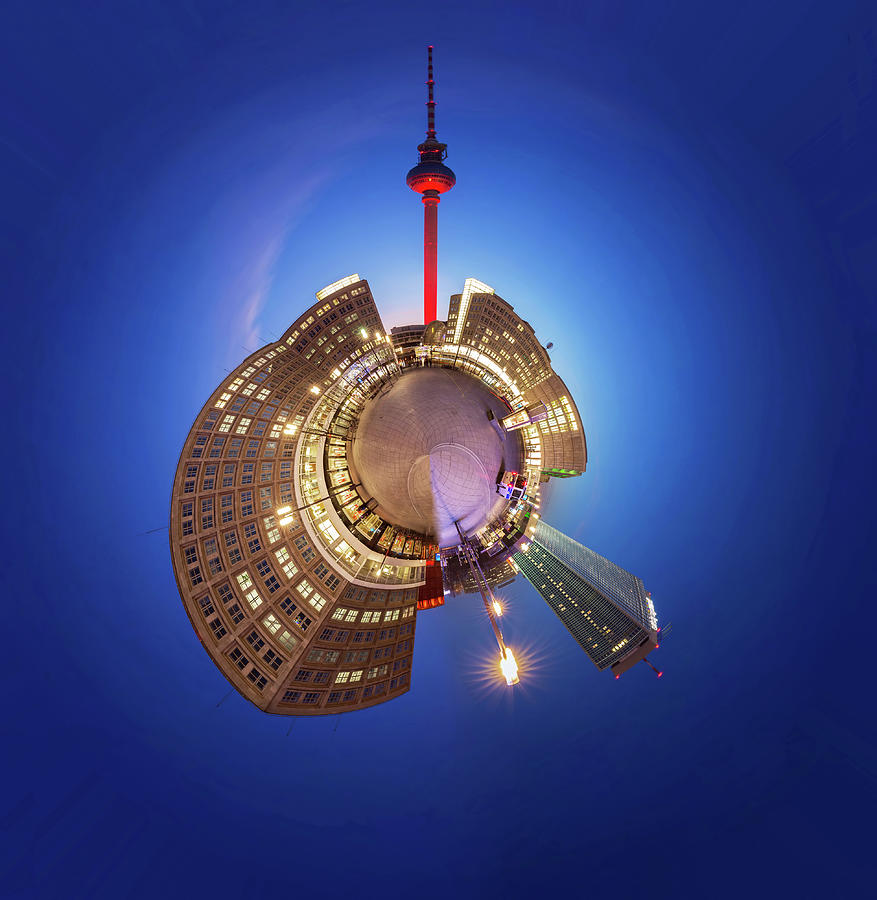 Planet Berlin Alexanderplatz - Special Photograph by Fhm