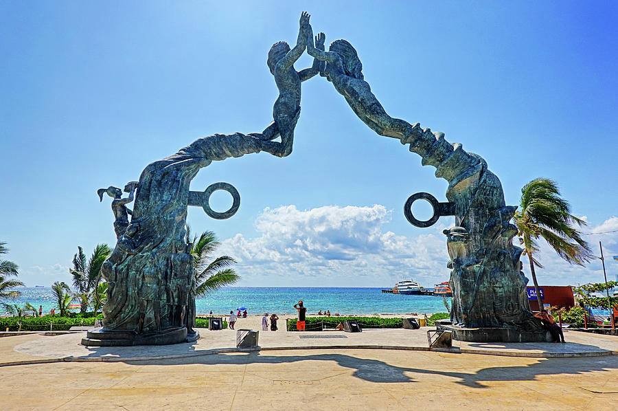 Playa Del Carmen welcome gate Mexico by Toby McGuire
