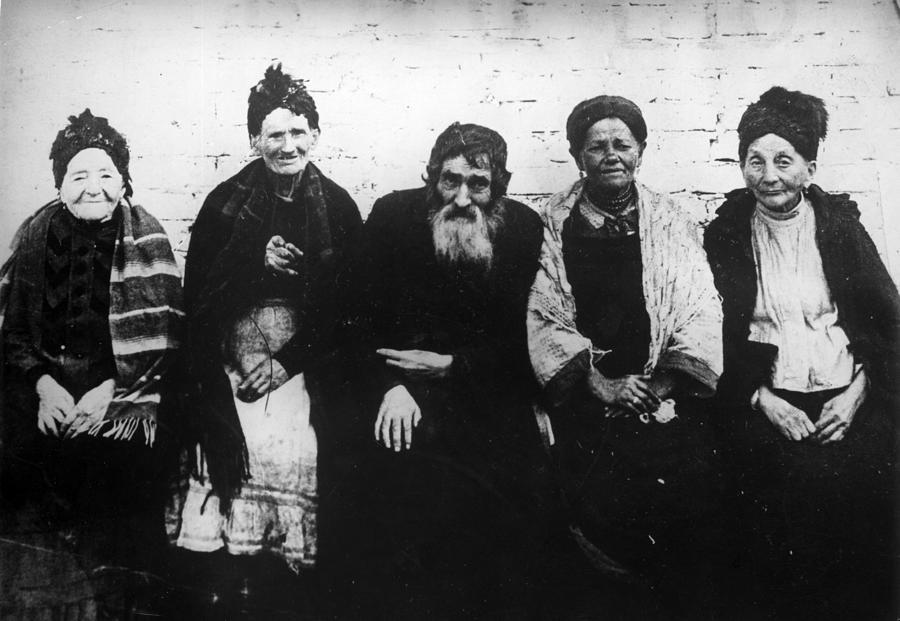 Polish Jews Photograph by Hulton Archive