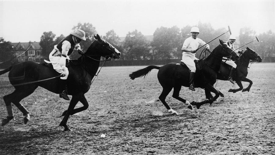 Polo-playing Churchill Photograph by Hulton Archive