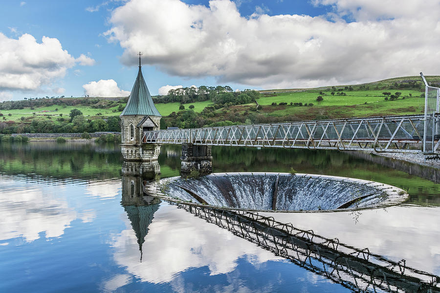 Pontsticill Valve Tower by Steve Purnell