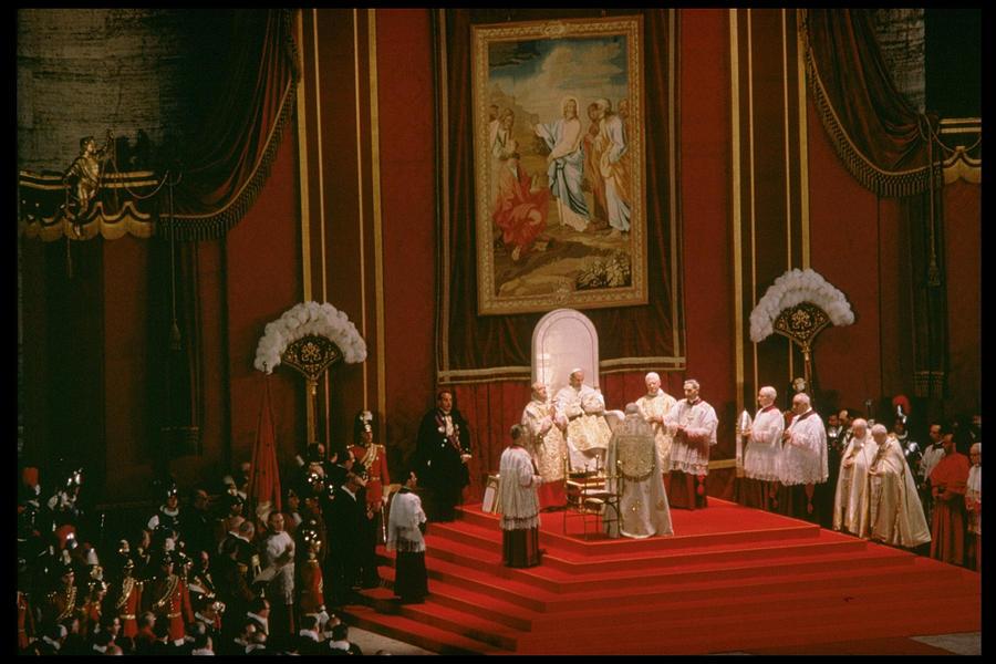 Pope Paul Vi Photograph by Carlo Bavagnoli