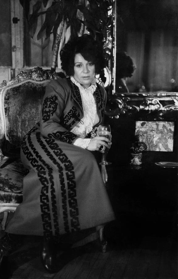 Portrait Of Artist Ruth Kligman Photograph by Fred W. McDarrah