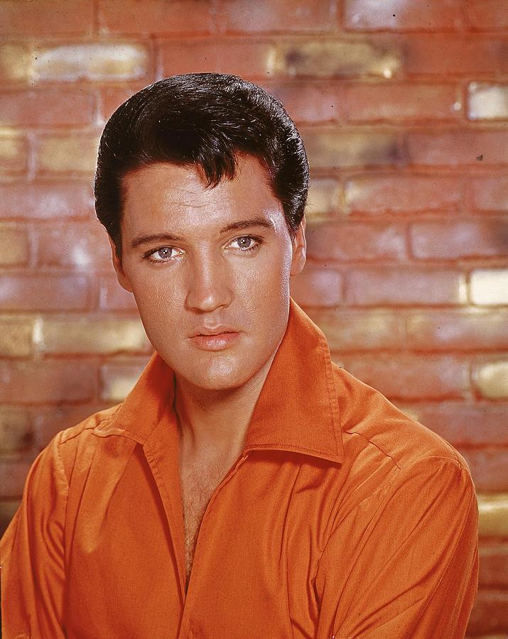 Portrait Of Elvis Photograph by Hulton Archive