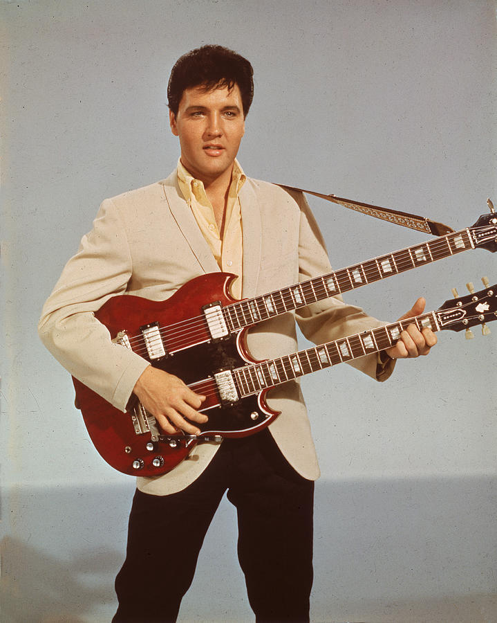Portrait Of Elvis Presley Photograph by Hulton Archive