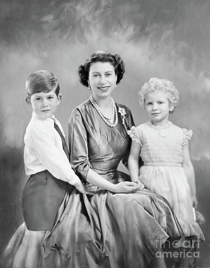 Portrait Of Queen Elizabeth II Photograph by Bettmann
