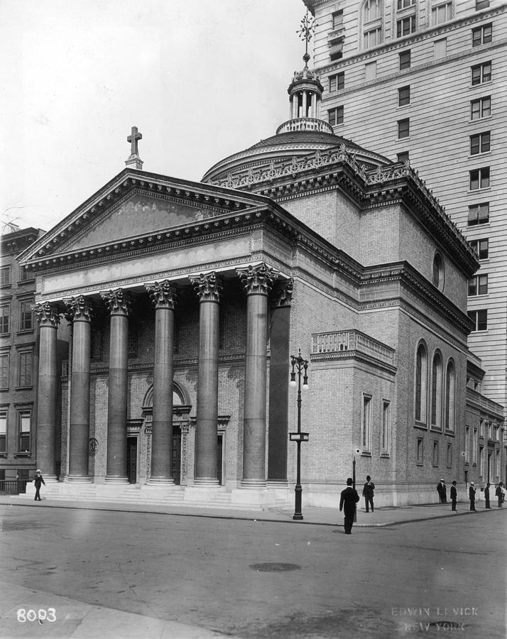 Presbyterian Church Photograph by Hulton Archive