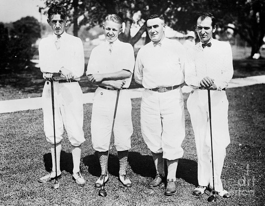 Present Golf Champ And Others Pose Photograph by Bettmann