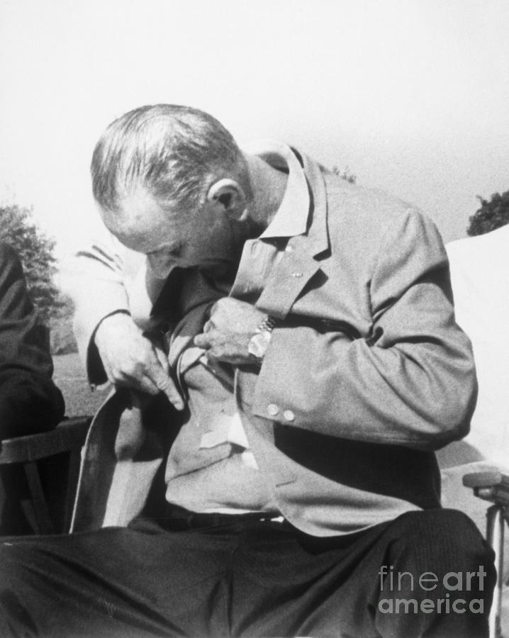 President Johnson Shows Surgical Scar Photograph by Bettmann