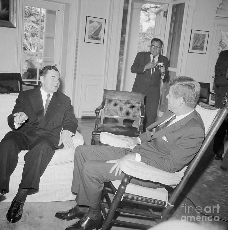 President Kennedy Meeting With Foreign Photograph by Bettmann