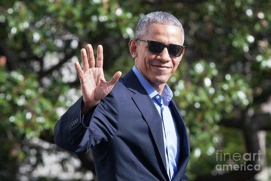 President Obama Departs White House En Photograph by Zach Gibson