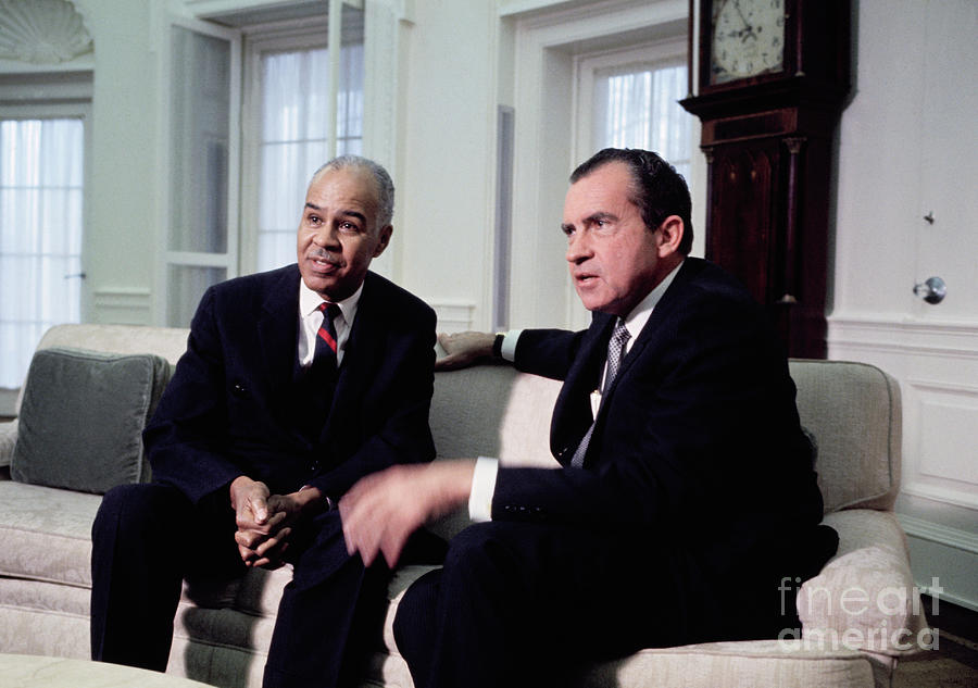 President Richard Nixon Meeting Photograph by Bettmann