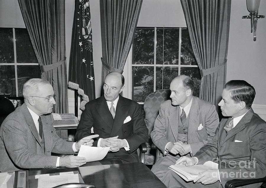 President Truman Meeting With Foreign Photograph by Bettmann