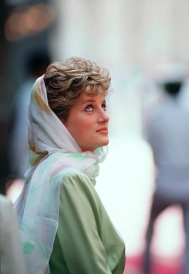 Princess Diana In Egypt Photograph by Tim Graham