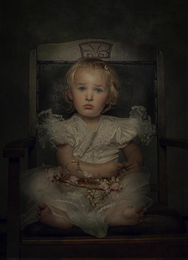 Portrait Photograph - Princess by Monika Vanhercke