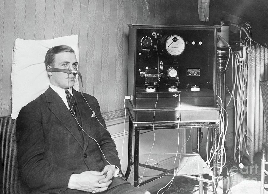 Professor Bordier Demonstrating Cold Photograph by Bettmann