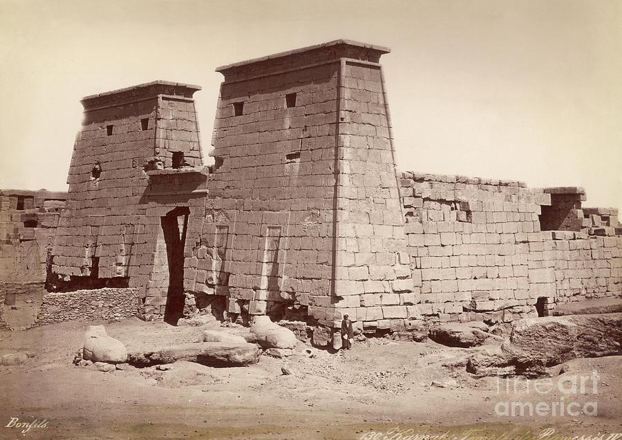Pylon Of Temple Of Khonsu Photograph by Bettmann