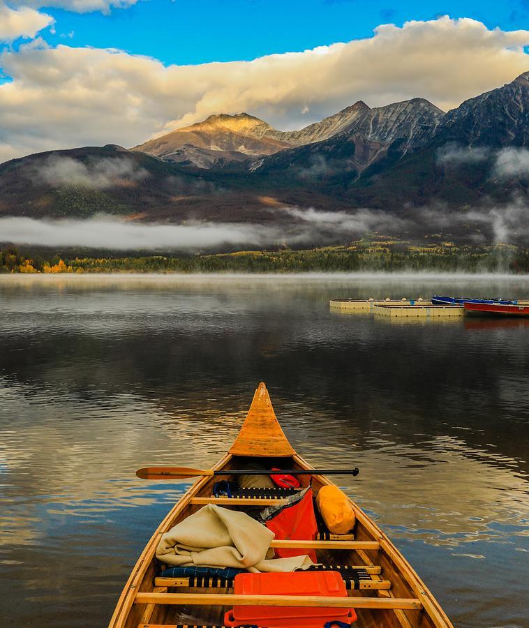 Pyramid Lake Canoe by Dan Sproul