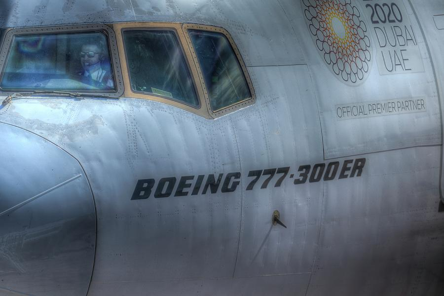 Qatari Boeing 777-300er Photograph