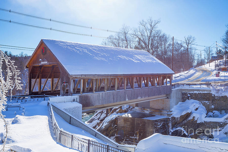 Cold Photograph - Quechee Covered Bridge Winter by Edward Fielding