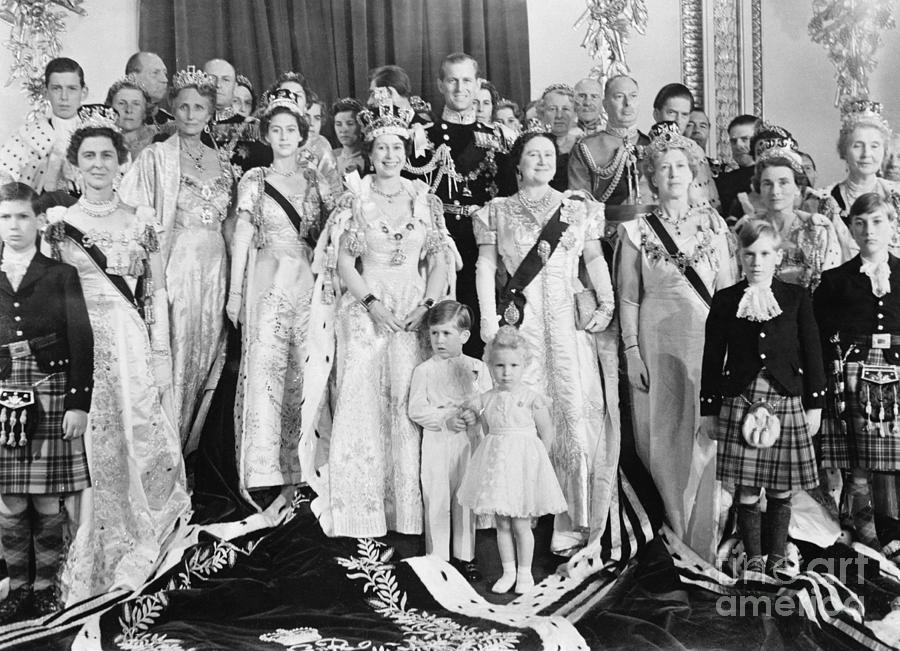 Queen Elizabeth Poses With Royal Family Photograph by Bettmann