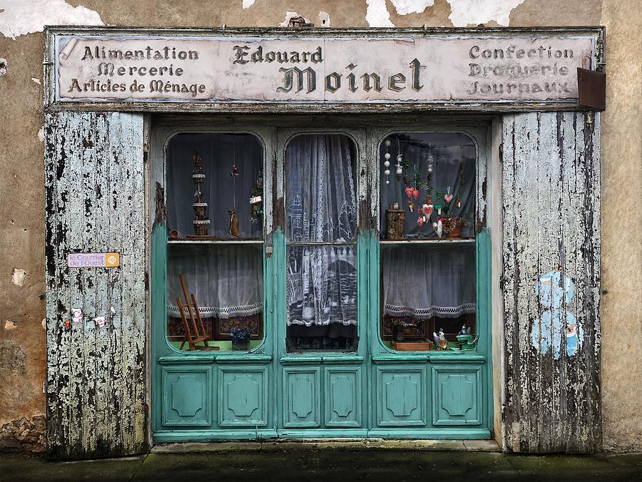 'Qu'est-il arrive a Monsieur Moinet?' by Owen Bell