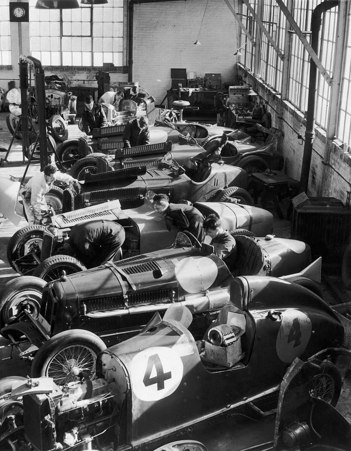 Racing Mechanics Photograph by Fox Photos