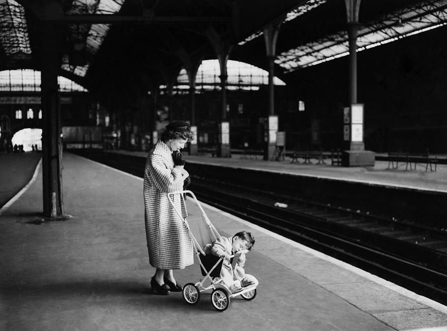 Toddler Photograph - Railway Strike In London On May 30th by Keystone-france