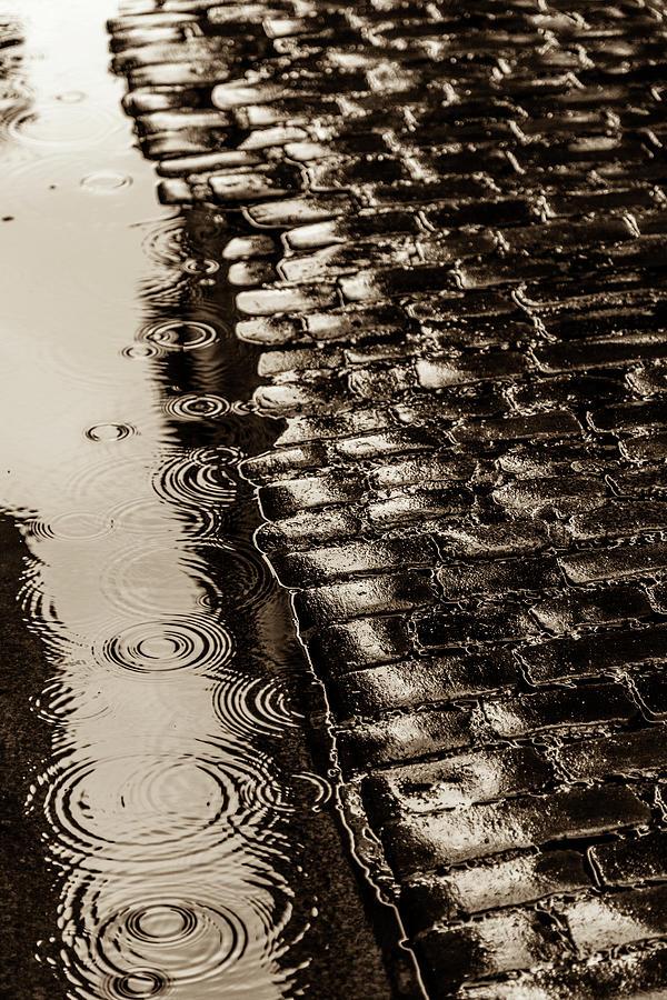 Cobblestone Photograph - Rains In Old York by W Chris Fooshee