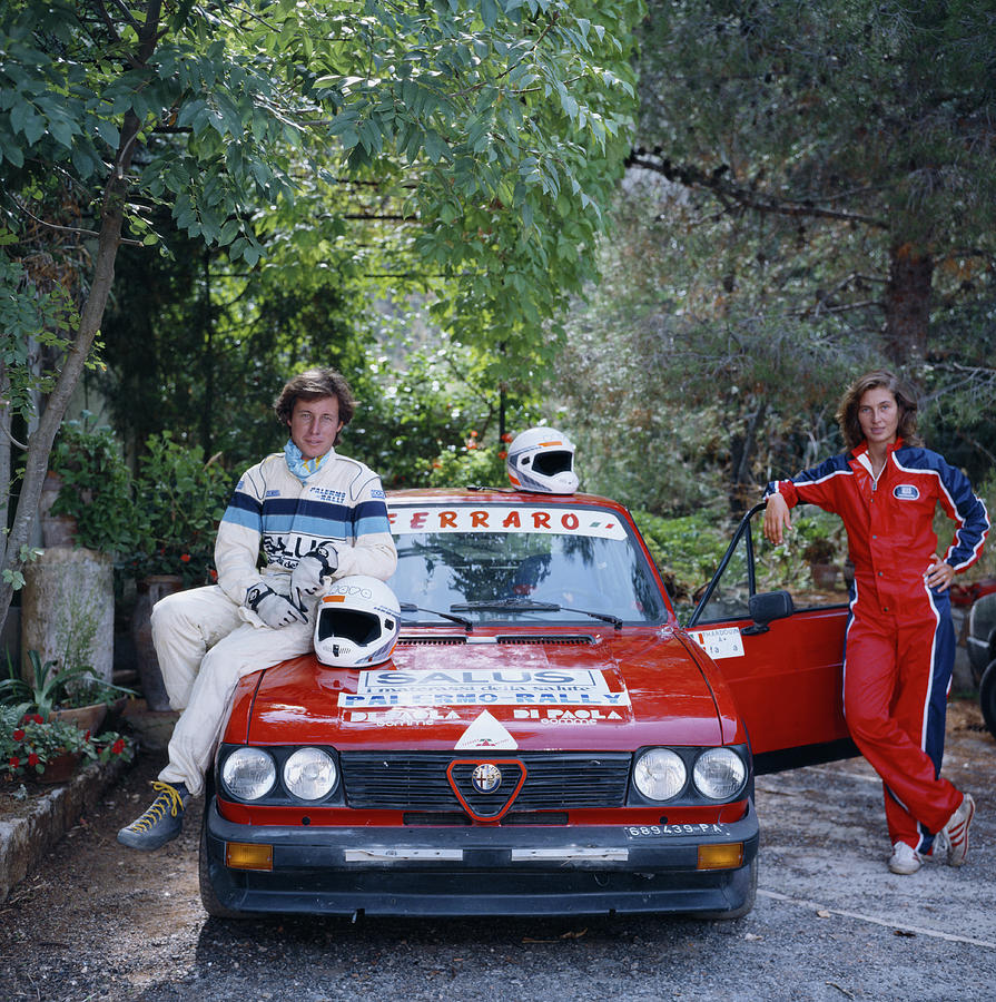 1980-1989 Photograph - Rallying Aristocracy by Slim Aarons