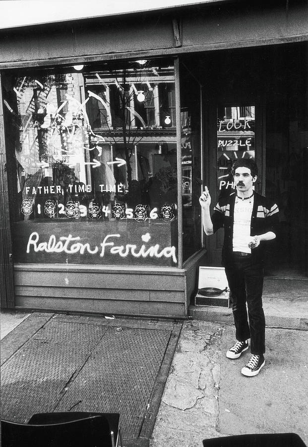Ralston Farina Performs On West Broadway Photograph by Fred W. McDarrah