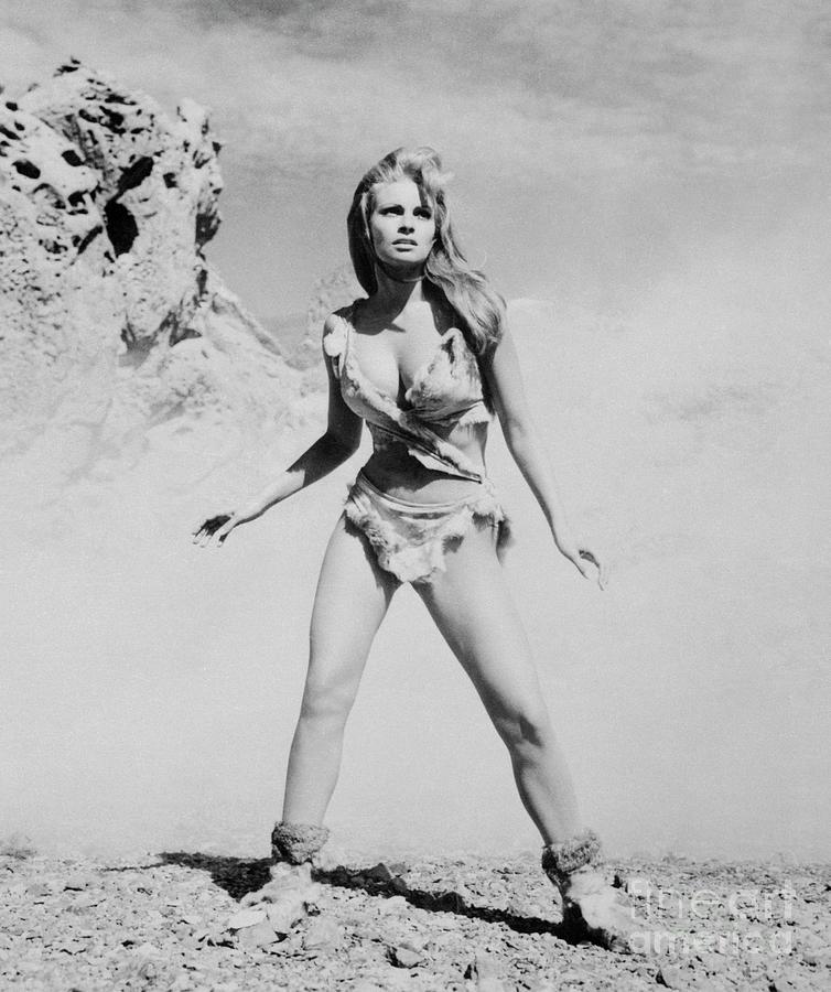 Raquel Welch In One Million Years B.c Photograph by Bettmann