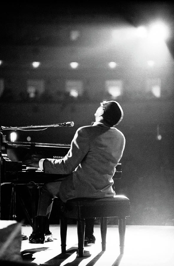 Ray Charles At Carnegie Hall Photograph by Bill Ray