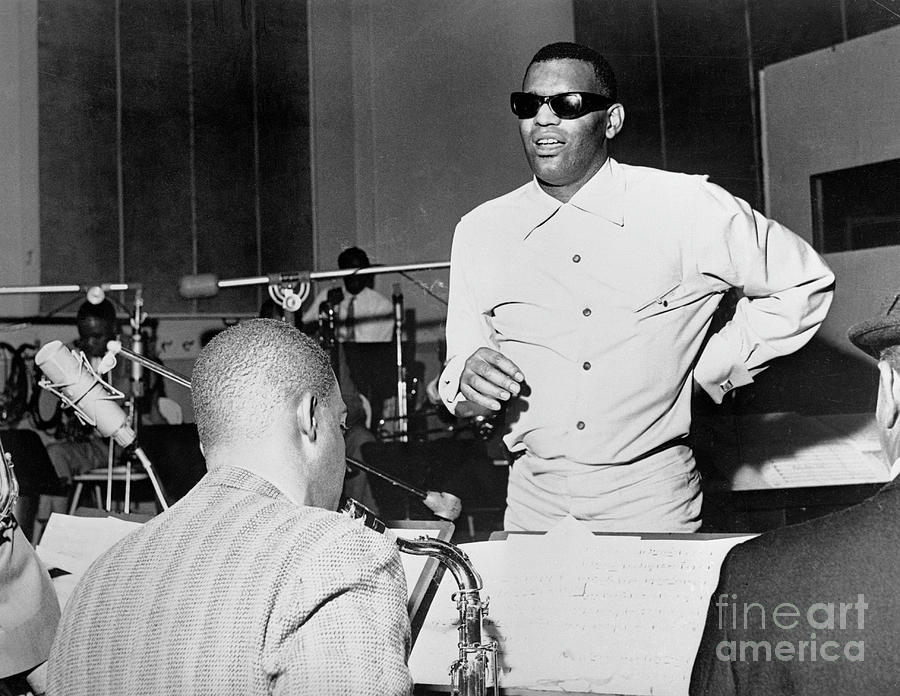 Ray Charles Standing And Singing Photograph by Bettmann