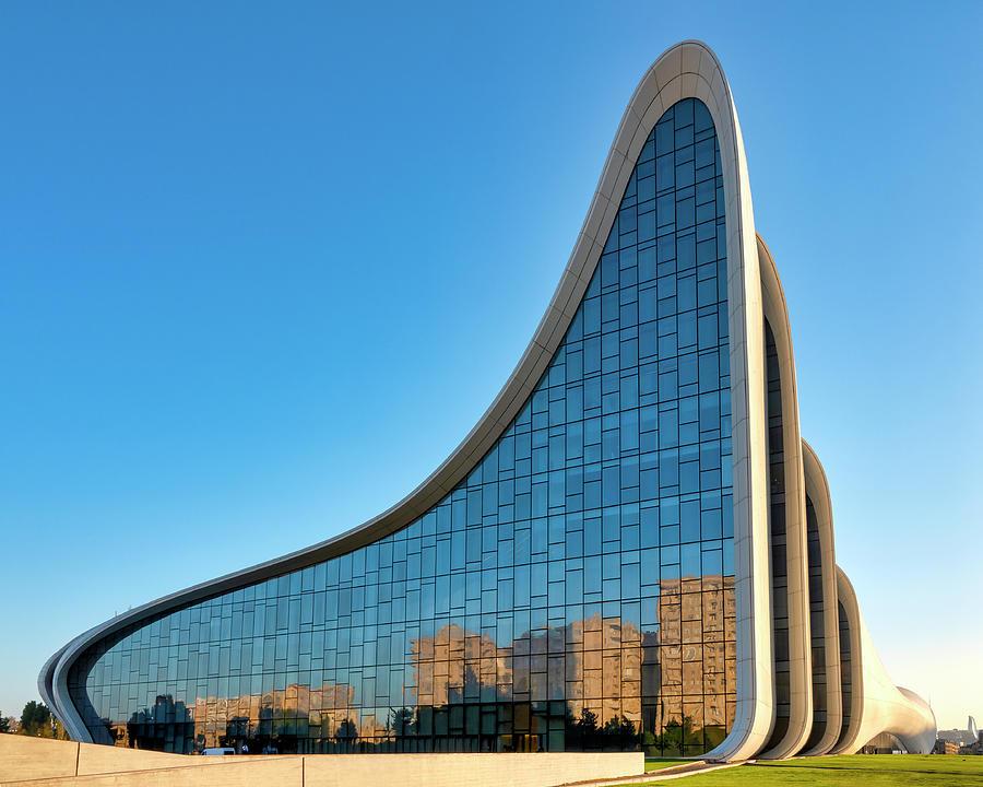 Rears side of the Heydar Aliyev Center by Fabrizio Troiani