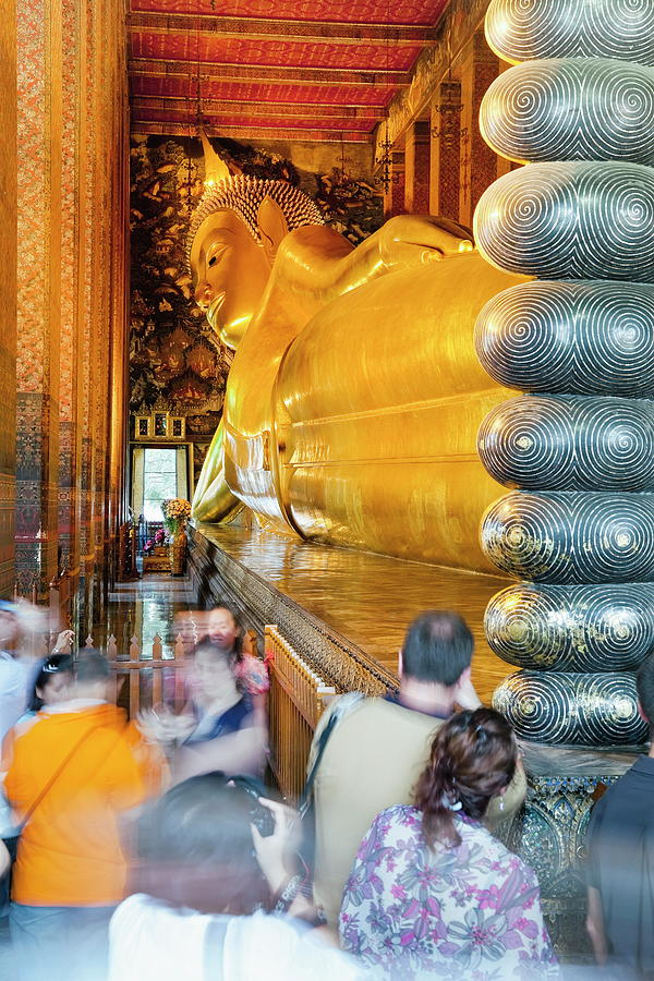Reclining Golden Buddha In Wat Pho Photograph by Gavin Hellier / Robertharding