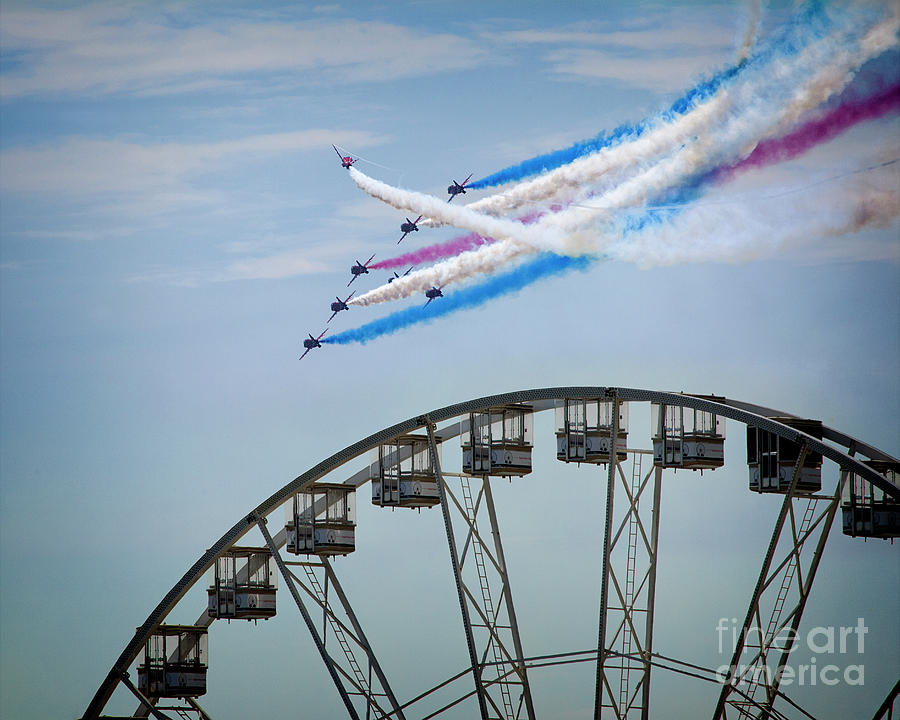 Red Arrows Display by Edmund Nagele