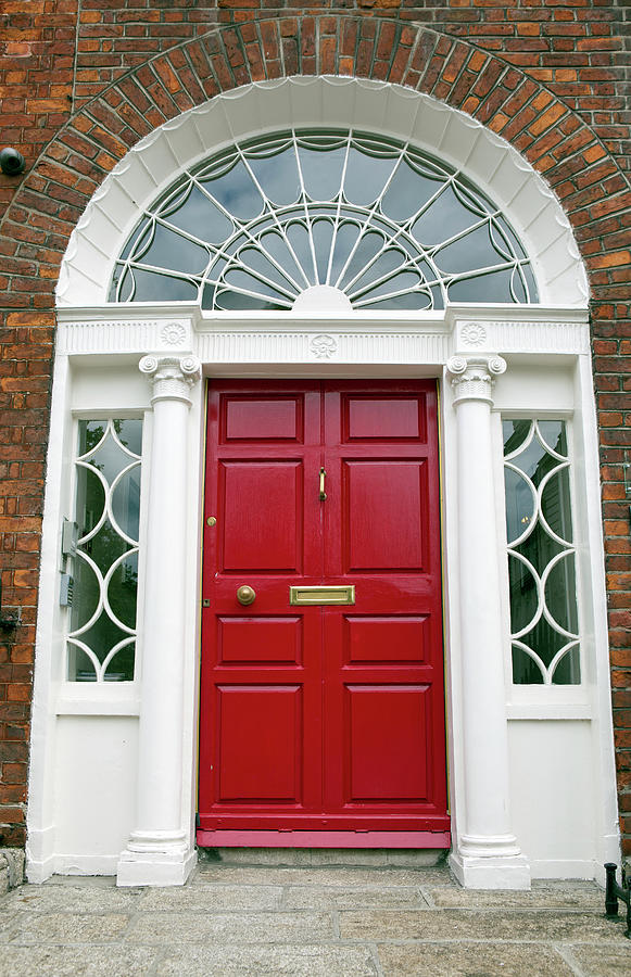 Red Door On House In Dublin Ireland Photograph by Lillisphotography