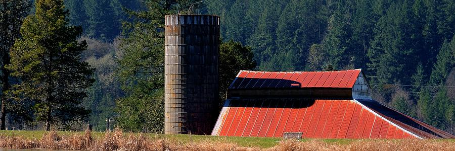 Red Roof Barn and Silo by Jerry Sodorff