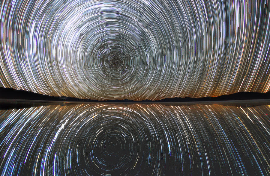 Reflection star trails by Daniele Gasparri
